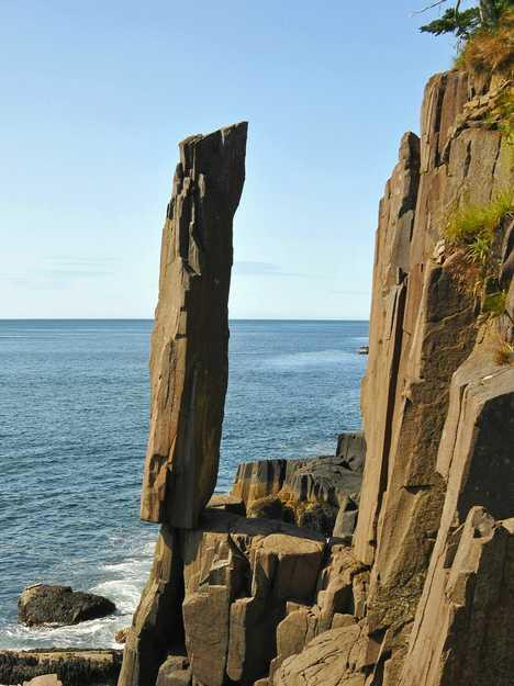balancing rock in canada