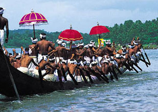 kerala boatrace as amuzing tourism